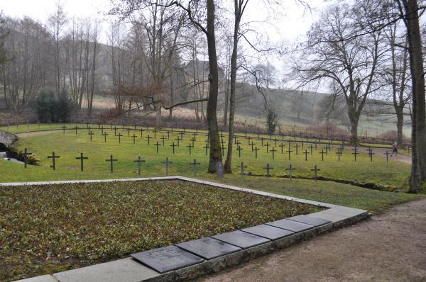 Die Umgebung des Grabes von Johann Lipp